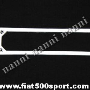 Art. 0046 - Cornice targa Fiat 500 Fiat 126 anteriore in acciaio inox . - Cornice targa Fiat 500 Fiat 126 anteriore in acciaio inox.