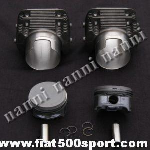 Art. 0328 - Cilindri  pistoni fusi Fiat 126,  740 cc, pistoni Ø 82 mm (per questo gruppo motore occorrono le bielle ns. art. 0293A e gli anelli sottocanna in rame art .0429) - Canne pistoni fusi Fiat 126,740 cc, Ø 82 mm. (per questo gruppo motore occorrono le bielle ns. art.0293A da 130 mm. poiché i pistoni hanno altezza di compressione 28 mm. Bisogna acquistare 2 kit di anelli sottocanna in rame art.0429).I cilindri di nostra produzione sono alti 80 mm. e non richiedono la guarnizione di testa. I pistoni hanno una altezza di compressione di 28 mm, quindi sono leggerissimi ( a 3 fasce) fatti in Germania. Gruppo completo di 2 pistoni e 2 cilindri.