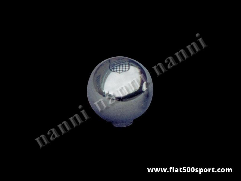 Art. 0026 - Pomello Fiat 500 Fiat 126 Giannini leva cambio in alluminio cromato. - Pomello Fiat 500 Fiat 126 Giannini della leva del cambio in alluminio cromato. Lo stemma Giannini è inciso e colorato nell'alluminio.