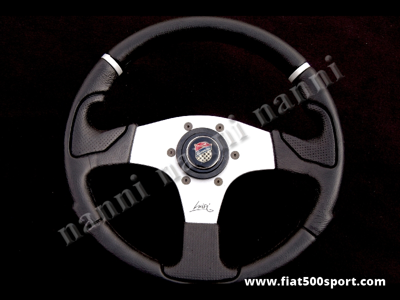Art. 0052 - Fiat 500 Giannini black steering wheel with hub. - Fiat 500 Giannini black steering wheel with hub. Outer diameter 320 mm.