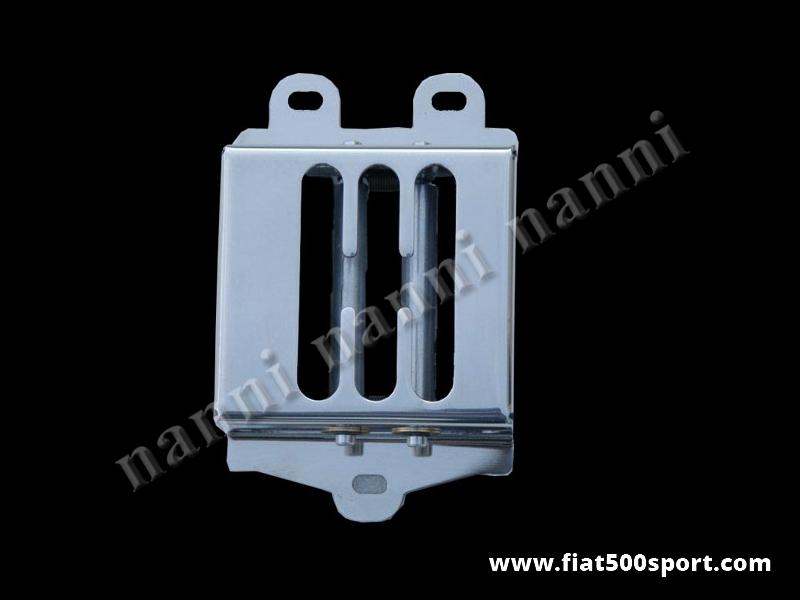 Art. 0071 - Selettore  Fiat 500 Fiat  126 leva cambio 5 marce in acciaio inox lucidato. - Selettore leva cambio  Fiat 500 Fiat 126 per cambio a 5 marce in acciaio inox lucidato, con molle di ritegno di nostra produzione. Il nostro selettore è chiuso ai lati per evitare che polvere e impurità entrino nei leveraggi del cambio.