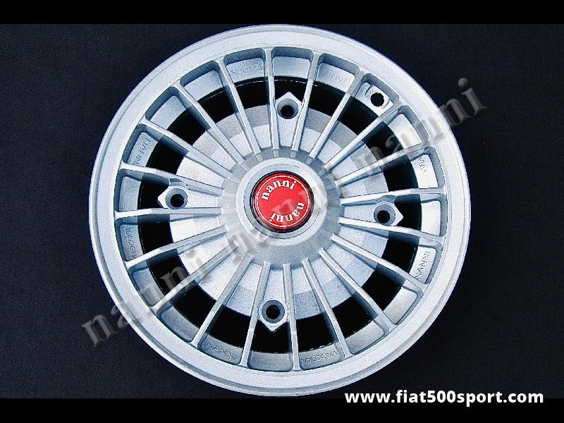 Art. 0073N - Cerchio ruota Fiat 500 Fiat 126 1° serie NANNI verniciato in lega da 4,5 pollici per 12 pollici. - Cerchio ruota Fiat 500 Fiat 126 prima serie NANNI in lega di altissima qualità, verniciato, da 4,5 pollici di larghezza per 12 pollici, con bulloni di fissaggio conici autocentranti. (Interasse dei bulloni 190 mm.) ET 30.