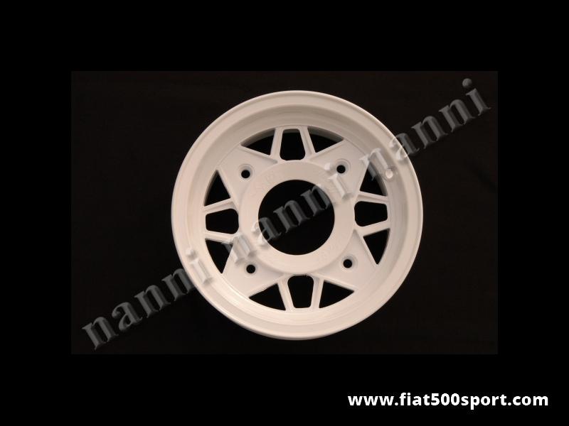 Art. 0074B - Fiat 500 Fiat 126 first model NANNI light alloy white wheel 4,5 x12 with bolts. - Fiat 500 Fiat 126 first model NANNI light alloy white wheel 4,5×12 with bolts. ET 45.