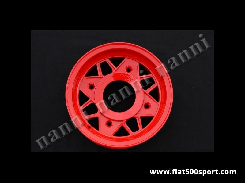 Art. 0074R - Cerchio ruota Fiat 500 NANNI in lega di colore rosso da 4,5×12 pollici, completo di bulloni conici autocentranti. - Cerchio ruota Fiat 500 Fiat 126 prima serie in lega ultraleggera NANNI di altissima qualità, di colore rosso, da 4,5×12 pollici. È' completo di bulloni conici autocentranti per il fissaggio.L'interasse dei bulloni ruota e' di 190 mm. ET 45.