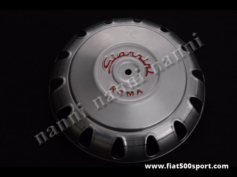 Art. 0095G - Borchia Fiat 500 Giannini per ruota originale. - Borchia Fiat 500 Giannini per ruota originale con scritta di colore rosso.