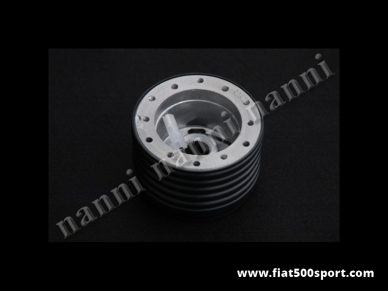 Art. 0099 - Fiat 126 and 126 BIS first series steering wheel hub. - Fiat 126 and 126 BIS first series steering wheel hub.