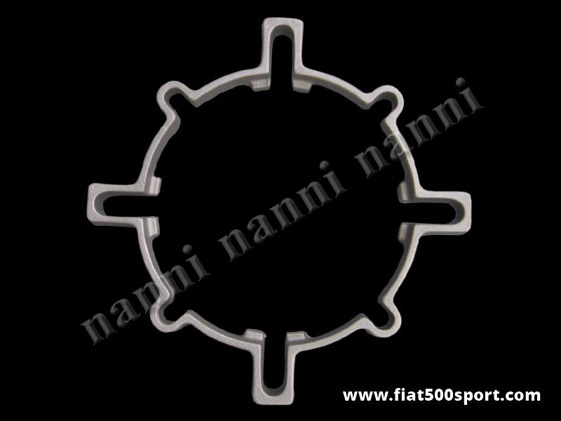 Art. 0108 - Distanziale Fiat 500  per allargare la ruota. (porta in fuori la ruota di 16 mm.) - Distanziale Fiat 500 Fiat 126 prima serie (interasse bulloni 190 mm.) Porta in fuori la ruota di 16 mm. ed è completo di bulloni.