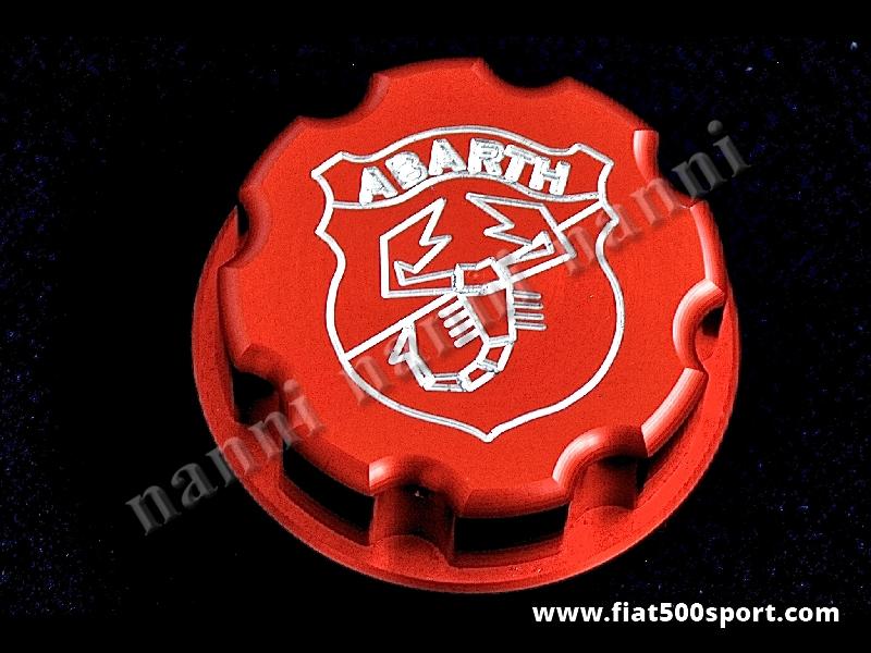 Art. 0141h - Tappo serbatoio benzina Fiat 500 Abarth - Tappo serbatoio benzina Fiat 500 con stemma Abarth inciso. E' costruito in alluminio colore rosso satinato.