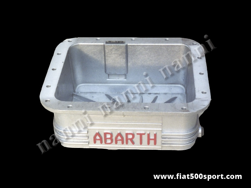 Art. 0273 - Coppa olio Abarth Fiat 500 Fiat 126 in alluminio da 3,5 litri - Coppa olio Abarth Fiat 500 Fiat 126 in alluminio da 3,5 litri. E' predisposta per il montaggio del bulbo per la temperatura dell' olio. Le nostre coppe olio sono tutte impregnate con Loctite per garantire una impermeabilità al 100%.