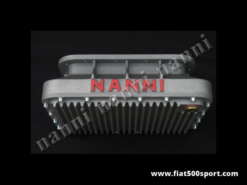 Art. 0276 - Coppa olio  Fiat 500 Fiat 126 NANNI da 4 litri con fondo smontabile e un raffreddamento olio eccezionale. - Coppa olio Fiat 500 Fiat 126 NANNI da 4 litri con fondo smontabile e un raffreddamento olio eccezionale. Questa coppa olio ha un altezza contenuta per essere montata anche su vetture molto basse. Le nostre coppe olio sono tutte impregnate con Loctite per garantire una impermeabilità al 100%.