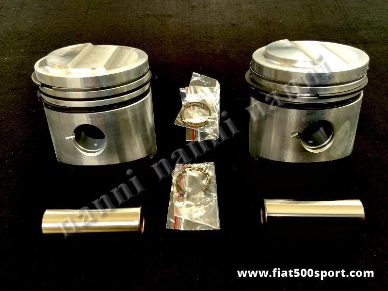 Art. 0303M - Pistoni Fiat 500 F L diam. 70,4 mm. (Maggiorati 4/10 di mm.) con tassello sul cielo del pistone. - Pistoni Fiat 500 F L diam 70,4 mm. con tassello sul cielo del pistone. Sono maggiorati di 4/10 di mm.rispetto la misura diam. 70 mm. Serie completa di 2 pistoni.
