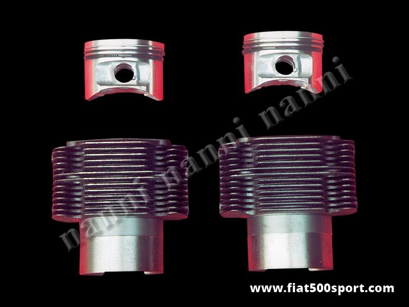 Art. 0326 - Cilindri  pistoni fusi Fiat 500 Fiat 126 e Giardiniera per trasformazione a 704 cc, Ø 80 mm (con questo kit occorrono  le bielle in acciaio art. 0293C con interasse 124mm) - Canne e pistoni fusi Fiat 500 Fiat 126 Giardiniera,704 cc, pistoni Ø 80 mm. (con questo kit occorrono le bielle in acciaio art. 0293C con interasse 124 mm). I pistoni sono originali Federal Mogul completi di segmenti GOETZE. Per il motore Fiat 500 e Giardiniera occorre anche la piastra in acciaio art.0287. Occorre acquistare gli anelli sottocanna art. 0428. Gruppo completo di 2 pistoni e 2 cilindri.