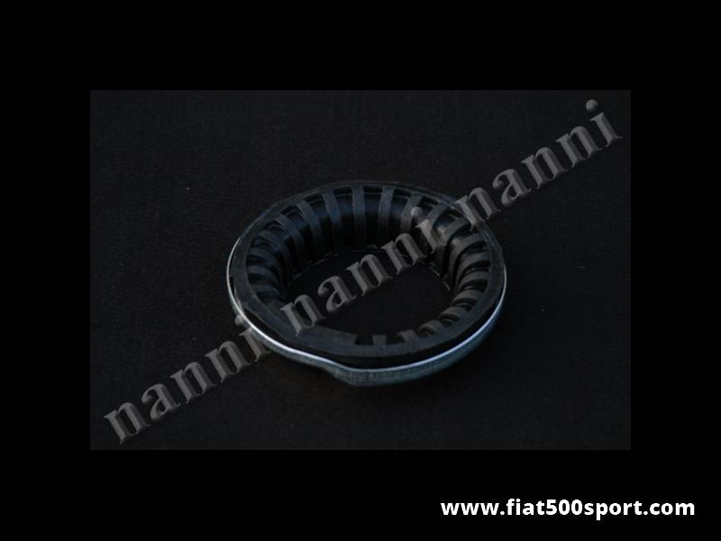Art. 0468 - Alloggiamento Fiat 500 Fiat 126 completo superiore per molla sospensione posteriore art.0465/0466/0467 - Alloggiamento Fiat 500 Fiat 126 completo (tassello in gomma e flangia in acciaio zincato) superiore per molla sospensione posteriore nostri articoli 0465/0466/0467.