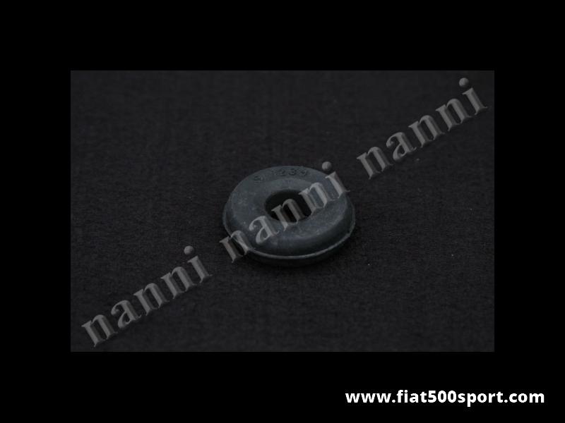 Art. 0485 - Gommino Fiat 500 Fiat 126 ammortizzatore posteriore Pirelli. - Gommino Fiat 500 Fiat 126 Pirelli per gli ammortizzatori posteriori. Occorrono 4 pezzi per 1 ammortizzatore.