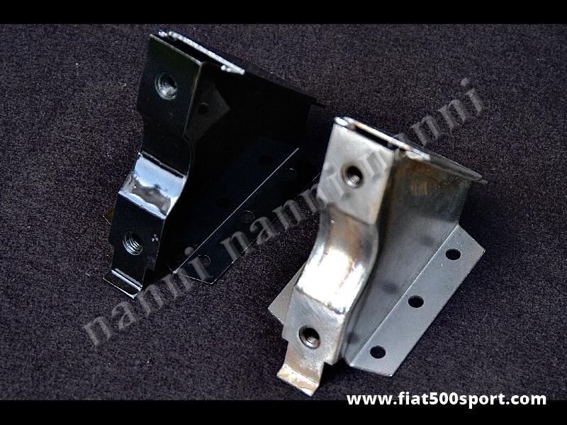 Art. 0492 - Supporti Fiat 500 Fiat 126  NANNI per applicazione scatola sterzo Fiat 126 su Fiat 500. - Staffe supporto Fiat 500 Fiat 126 NANNI per applicare la scatola guida art. 0489 (Fiat 126) sulla Fiat 500. Sono verniciabili in qualsiasi colore. Kit completo di 2 pezzi.