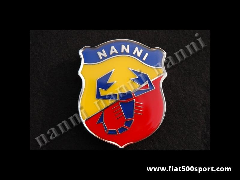 Art. 0512N - Stemma Fiat 500 NANNI  h. 70 mm. smaltato. - Stemma Fiat 500 Nanni h. 70 mm. in metallo smaltato a fuoco, con schermo protettivo.