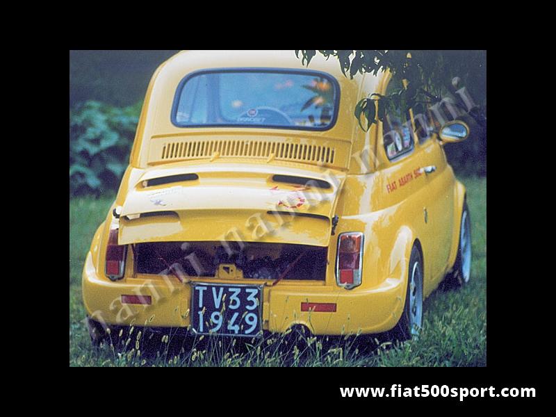 Art. 0831 - Cofano motore Fiat 500 NANNI in vetroresina con feritoie. - Cofano motore NANNI per Fiat 500 in vetroresina con feritoie.