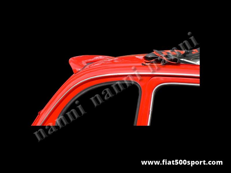 Art. 0833 - Spoiler Fiat 500 posteriore tetto. - Spoiler Fiat 500 posteriore per il tetto di nostra produzione, verniciabile in qualsiasi colore. Può  essere fissato solo con colla, ma è possibile avvitarlo al tetto.