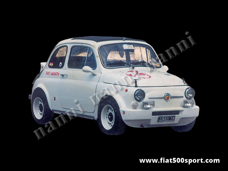 Art. 0855 - Paraurti Fiat 500 anteriore NANNI in vetroresina. - Paraurti Fiat 500 anteriore NANNI in vetroresina. Si monta con i supporti originali e si può verniciare in qualsiasi colore.