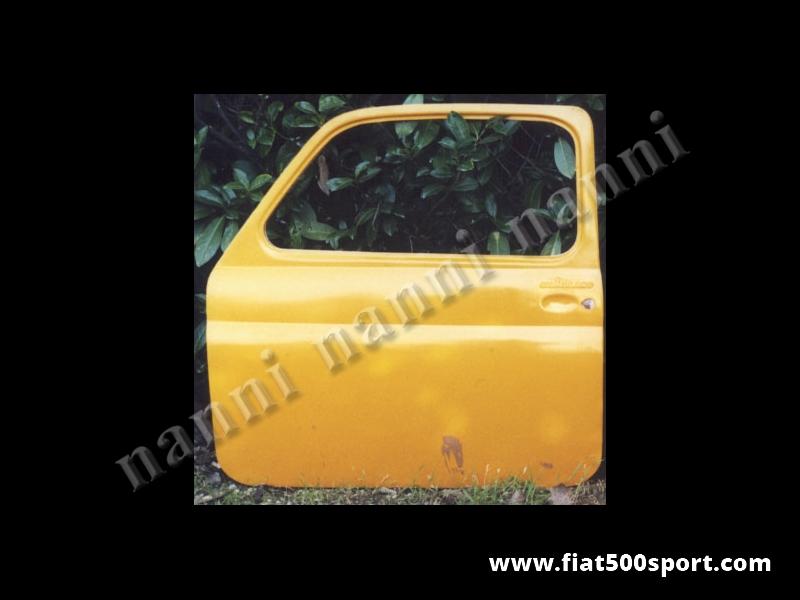 Art. 0862 - Porta Fiat 500 F / L /R destra stradale in resina (tipo originale). - Porta Fiat 500 F/L/R destra stradale in resina (tipo originale). Questo articolo non può essere spedito in contrassegno. Verniciabile in qualsiasi colore. Si monta con le cerniere e la serratura originale.