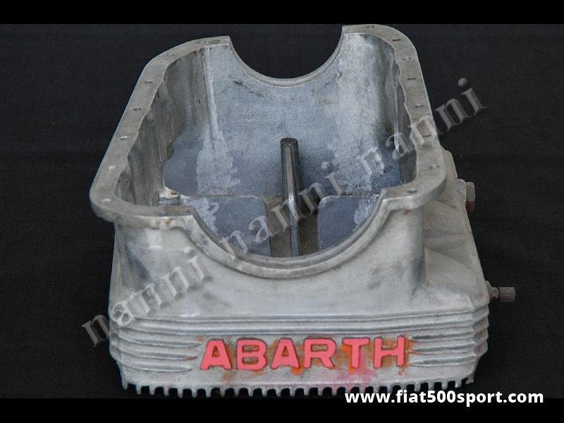 Art. 0921 - Coppa olio ABARTH 850 1000 OT ORIGINALE dell'epoca. - Coppa olio ABARTH 850/1000 OT ORIGINALE dell'epoca. È usata, in ottime condizioni, in lega di magnesio